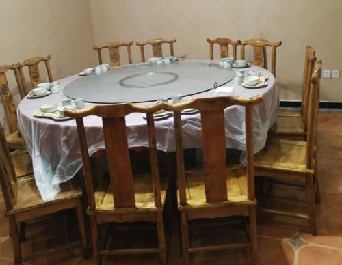 餐厅桌椅回收销售