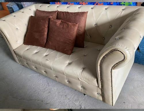 皮面多人沙发销售